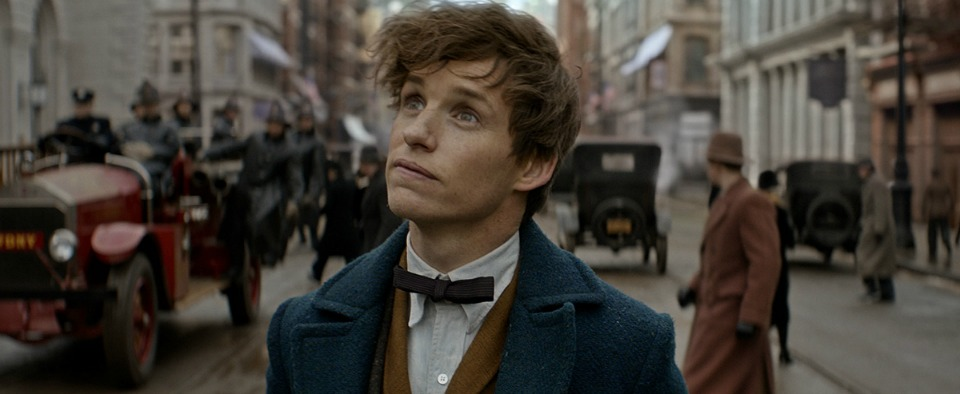 1476435714_fantastic-beasts-and-where-to-find-them-eddie-redmayne